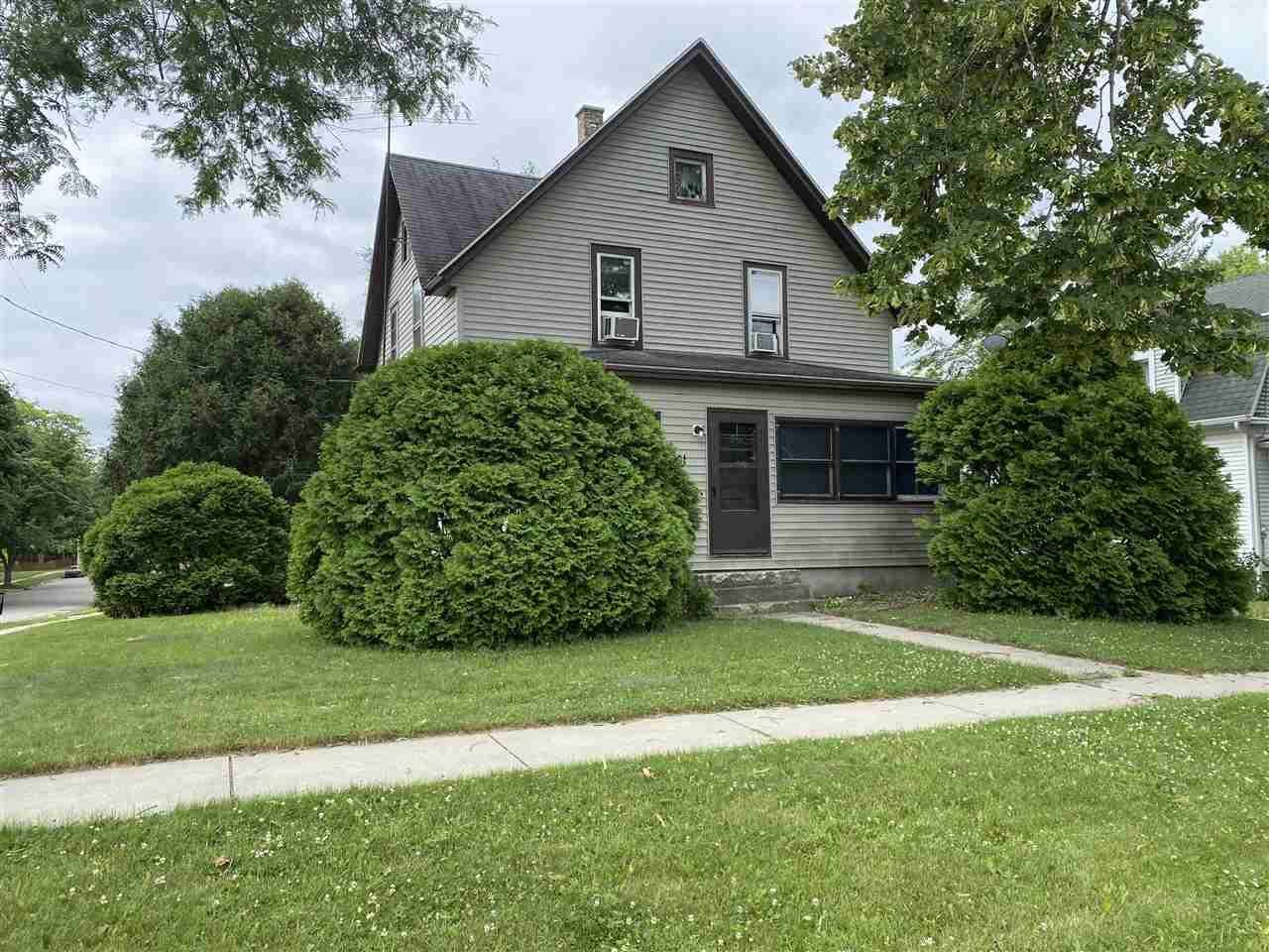801 Van Buren St, Fort Atkinson, WI 53538 - #: 1912905