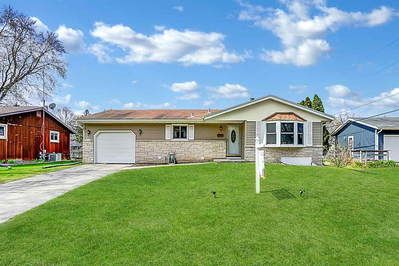 1210 Woodvale Dr, Madison, WI 53716 - #: 1906907