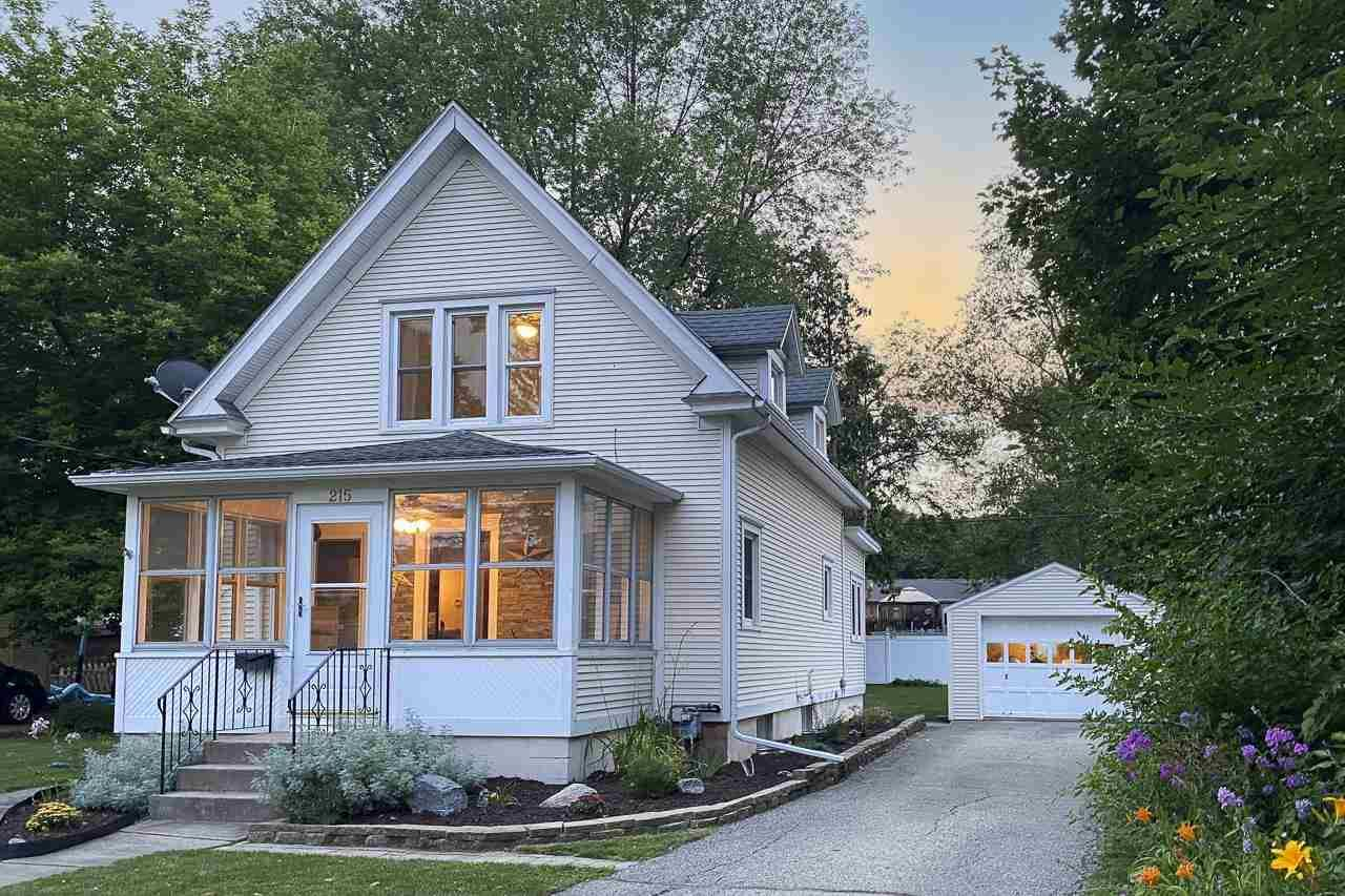 215 Shirley St, Fort Atkinson, WI 53538 - #: 1915910