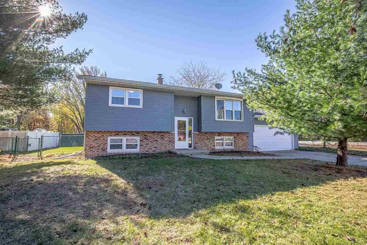 1505 Steven St, Sun Prairie, WI 53590 - #: 1896914