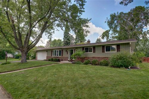 Photo of 3606 Rolling Hill Dr, Middleton, WI 53562 (MLS # 1887915)