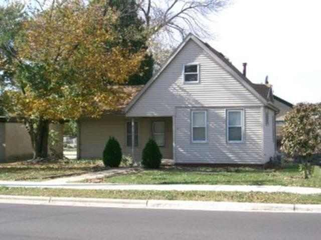 900 S 3rd St, Watertown, WI 53094 - #: 1880917