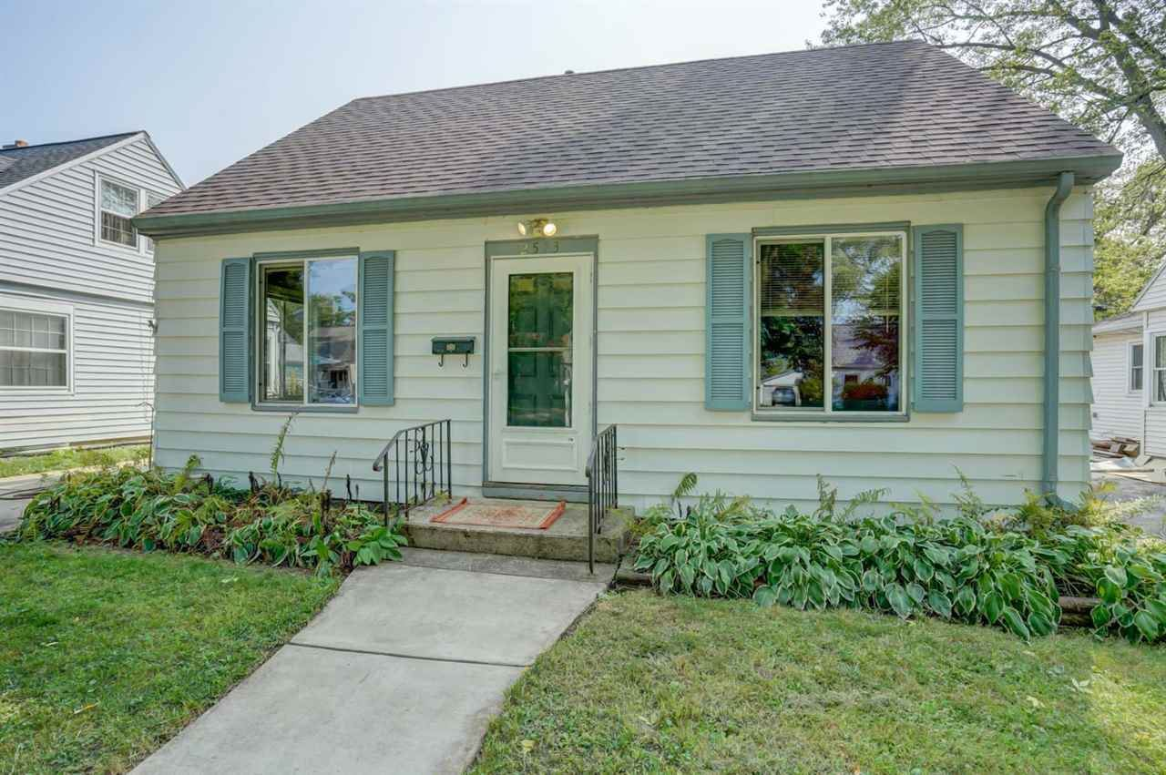 Photo for 2513 Myrtle St, Madison, WI 53704 (MLS # 1893922)