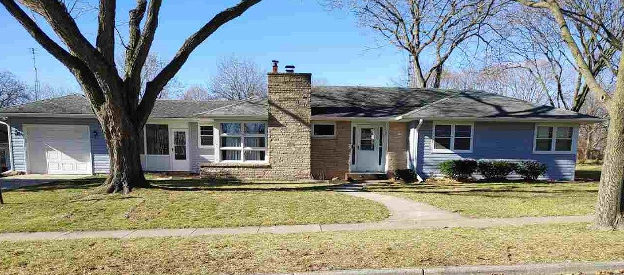 129 S Braun Ave, Jefferson, WI 53549 - #: 1897924