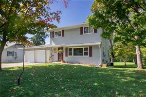 Photo of 1404 Davis St, Watertown, WI 53098 (MLS # 1868926)