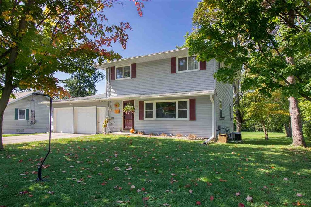 1404 Davis St, Watertown, WI 53098 - #: 1868926
