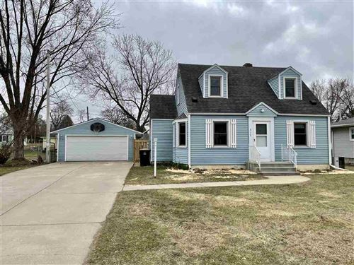 Photo of 717 Columbia Ave, DeForest, WI 53532 (MLS # 1904927)