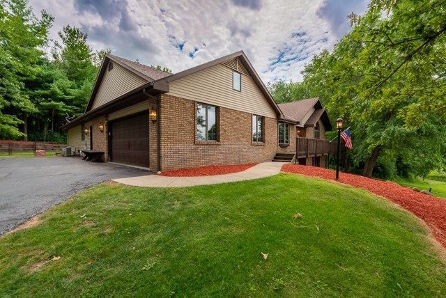 4728 N Brentwood Dr, Milton, WI 53563 - #: 1889928