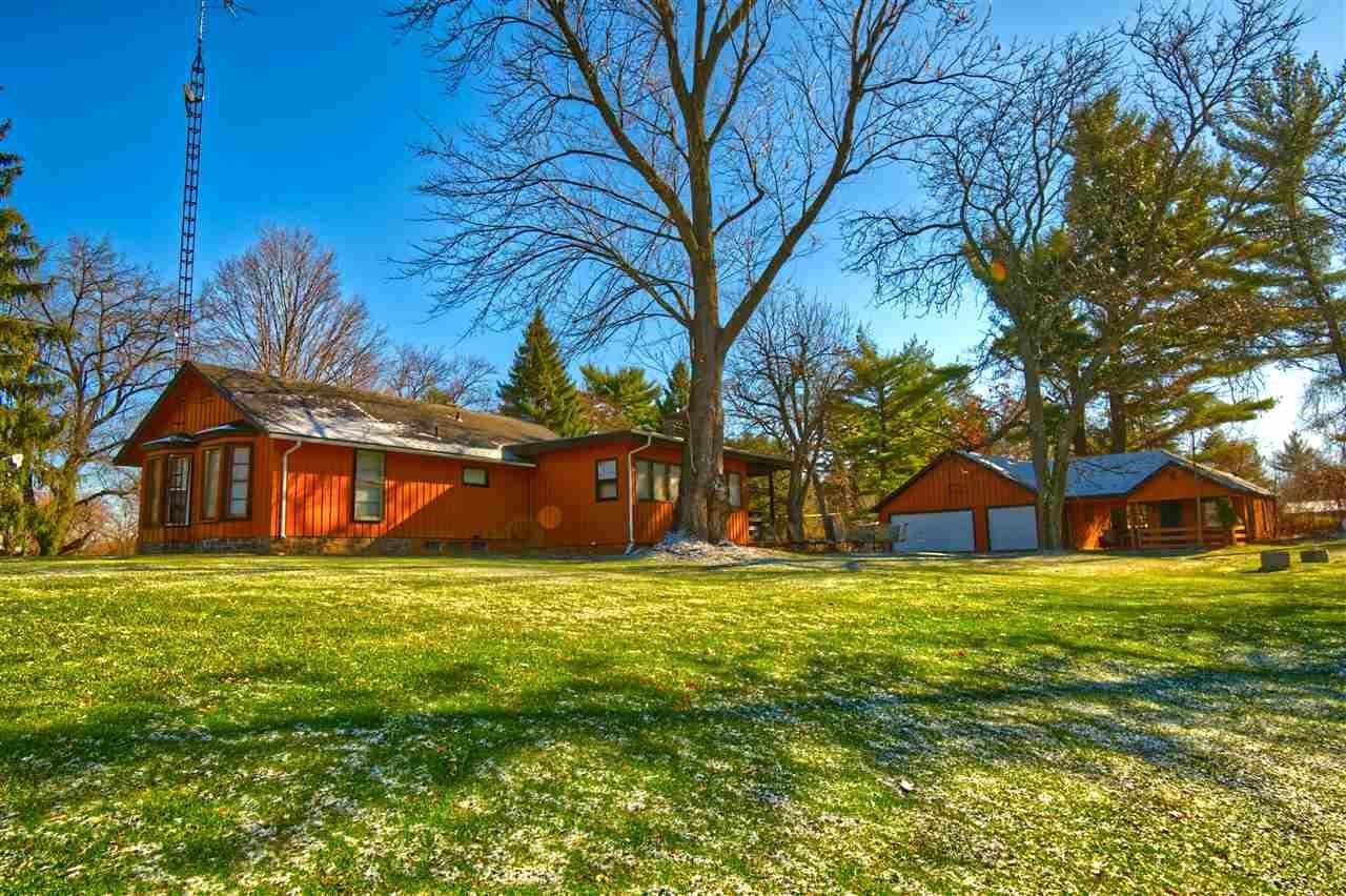 2251 River Rd, Wisconsin Dells, WI 53965 - #: 1897930