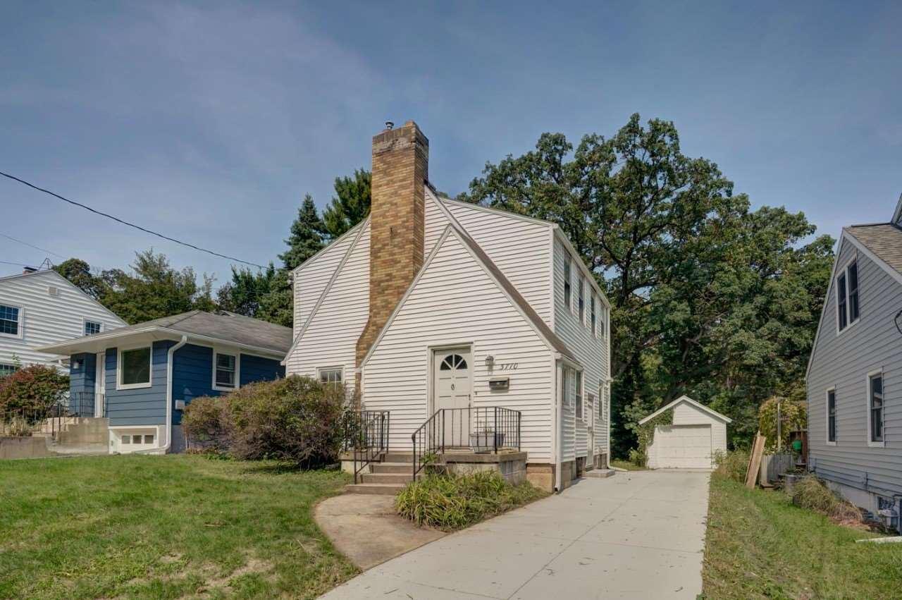 3710 Odana RD, Madison, WI 53711-1740 - #: 1895933