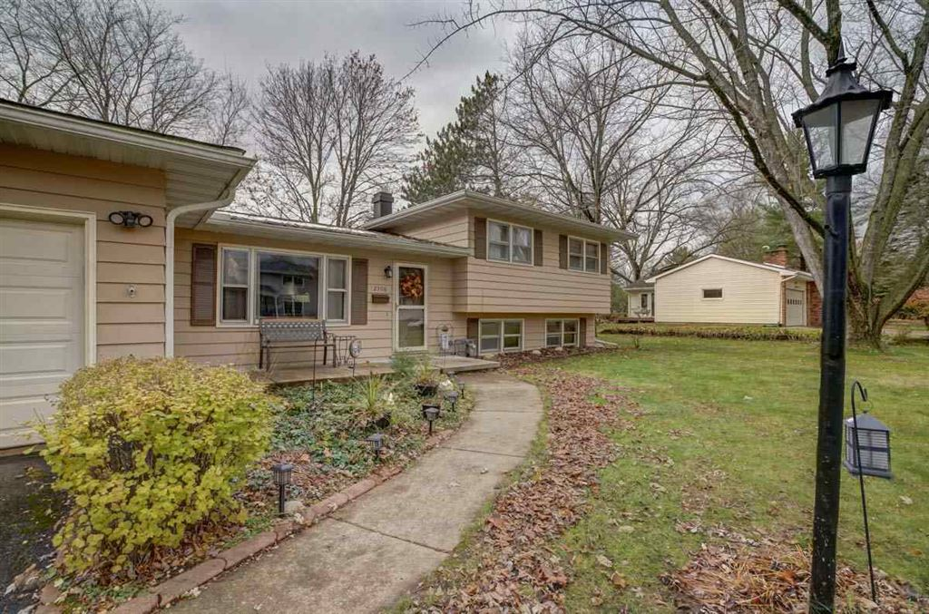 2308 Manor Green Dr, Madison, WI 53711 - MLS#: 1871934