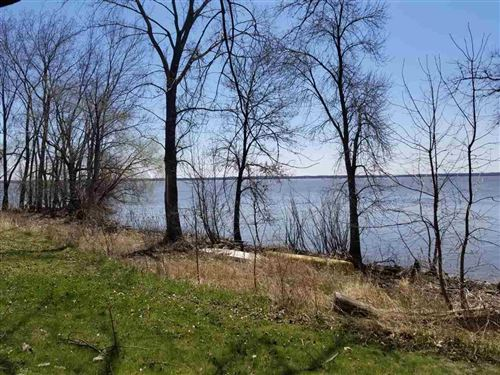 Photo of W9407 Lake Dr, Edgerton, WI 53534 (MLS # 1873936)