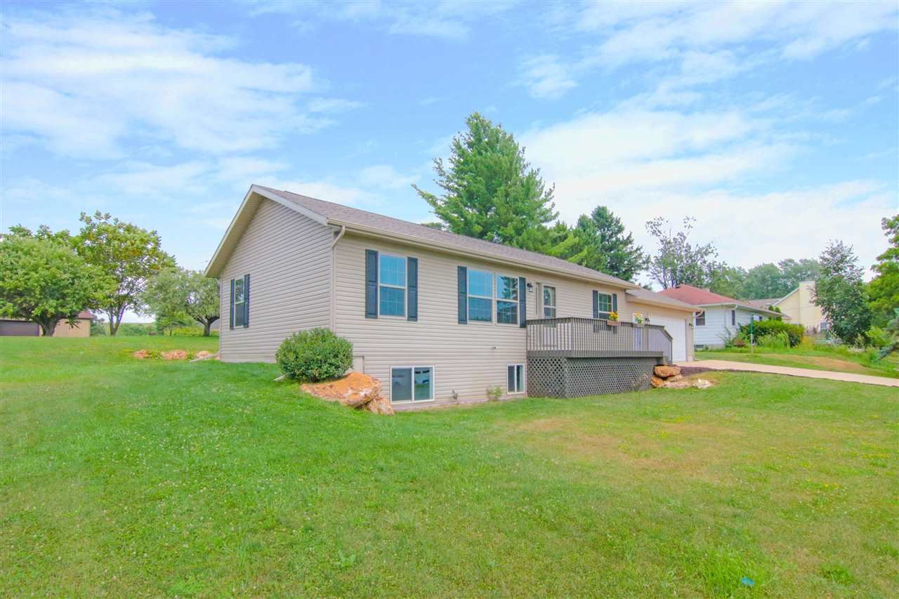 10884 Cave of the Mounds Rd, Blue Mounds, WI 53517 - #: 1890937
