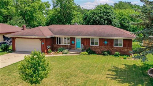 Photo of 1002 Somerset Dr, Janesville, WI 53546 (MLS # 1885938)