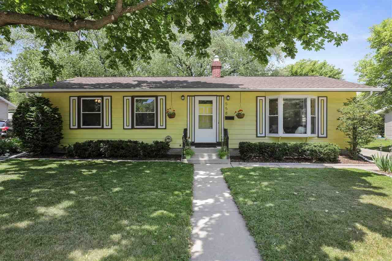 Photo for 558 S Segoe Rd, Madison, WI 53711 (MLS # 1910940)
