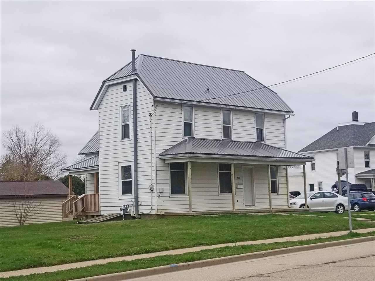740 Lancaster St, Platteville, WI 53818-1619 - #: 1906942