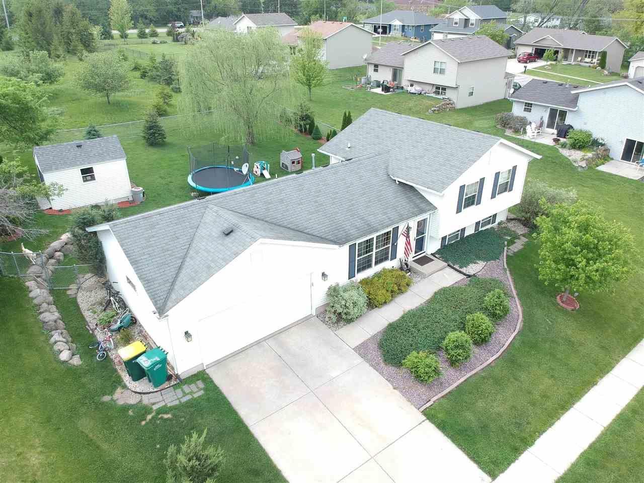 f_1909942 Real Estate in 53534 zip code