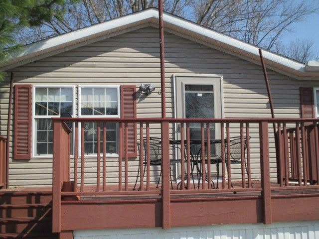 Photo for 63 Bel Aire Dr, Madison, WI 53713 (MLS # 1905943)