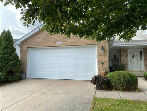 Photo of 1042 Stonewood Crossing, Sun Prairie, WI 53590 (MLS # 1893945)