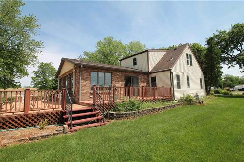 Photo of 909 S Sharon Rd, Janesville, WI 53546 (MLS # 1884947)
