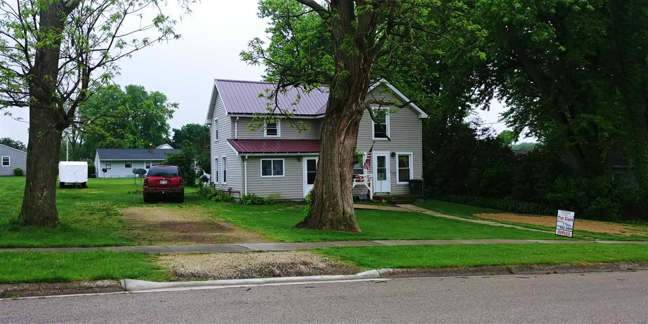 811 E Maple St, Lancaster, WI 53813 - #: 1882949