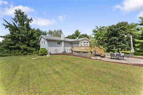 Photo of W7585 Columbia Dr, Pardeeville, WI 53954 (MLS # 1889954)