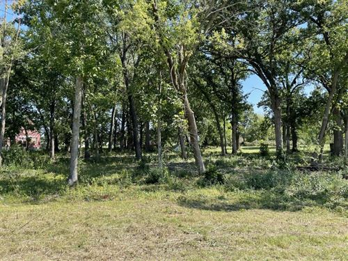 Photo of 1163 Gracing Oaks Ln, Sun Prairie, WI 53590 (MLS # 1919954)