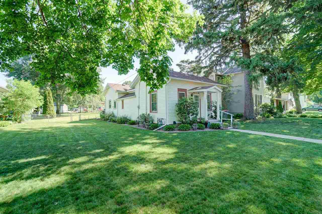 132 W Liberty St, Evansville, WI 53536 - #: 1911954
