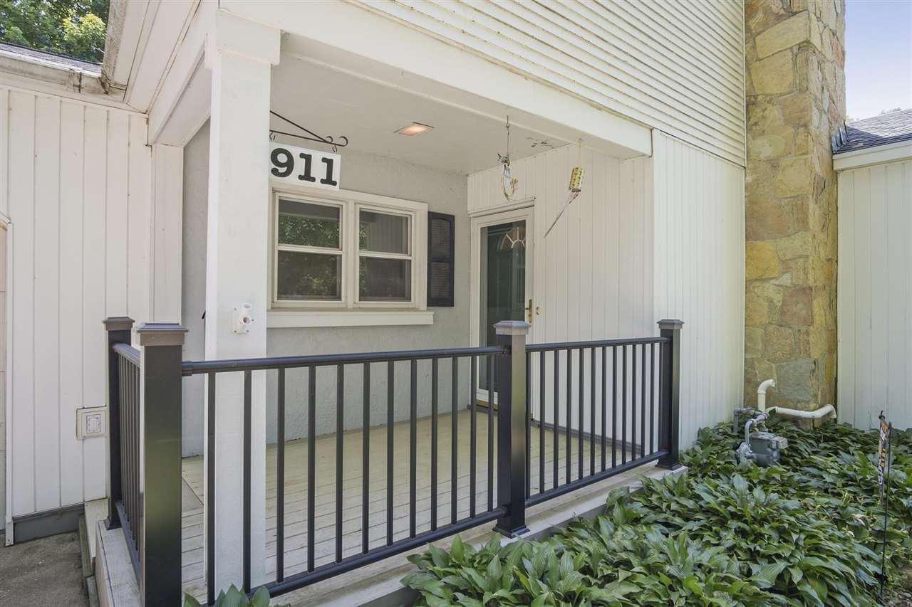 f_1910956_02 Real Estate in 53534 zip code