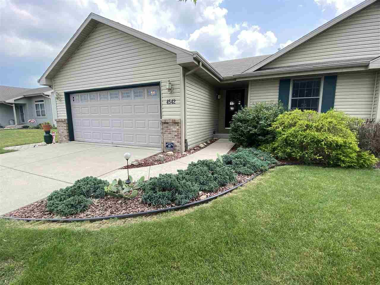 f_1887957 Our Listings at Best Realty of Edgerton