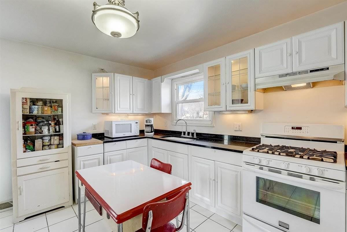 921 Northport Dr, Madison, WI 53704 - #: 1918960