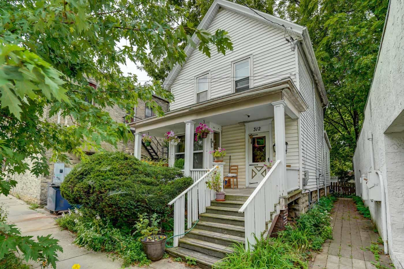 312 S Ingersoll St, Madison, WI 53703 - #: 1918961