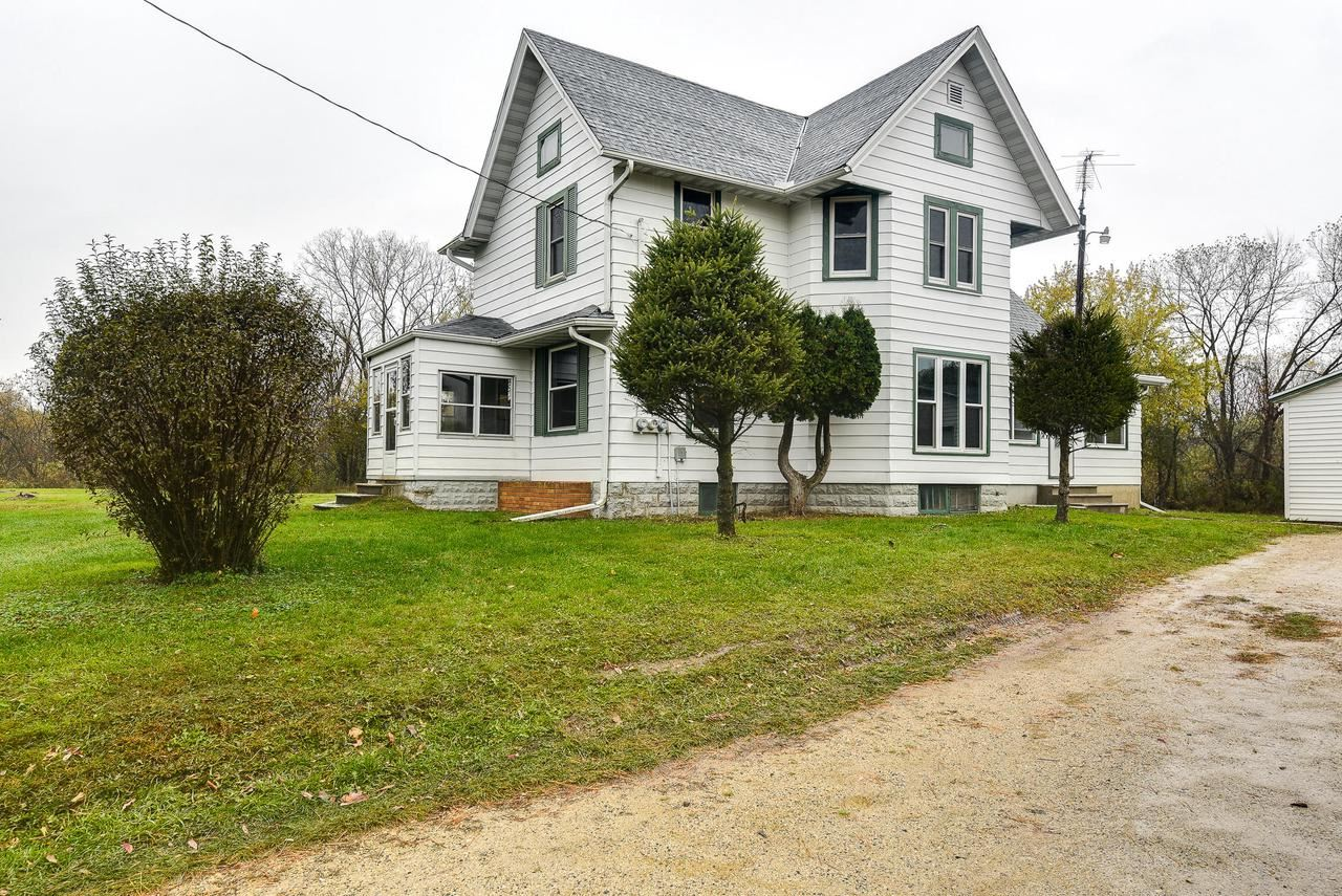 W4402 Raasch Hill Rd, Horicon, WI 53032 - #: 371961