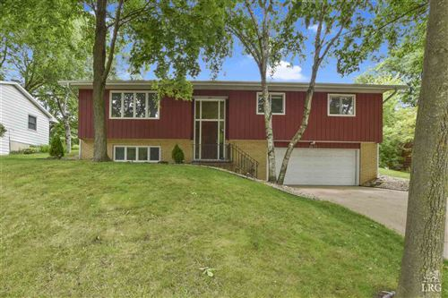 Photo of 2417 Apache Dr, Fitchburg, WI 53711 (MLS # 1885962)