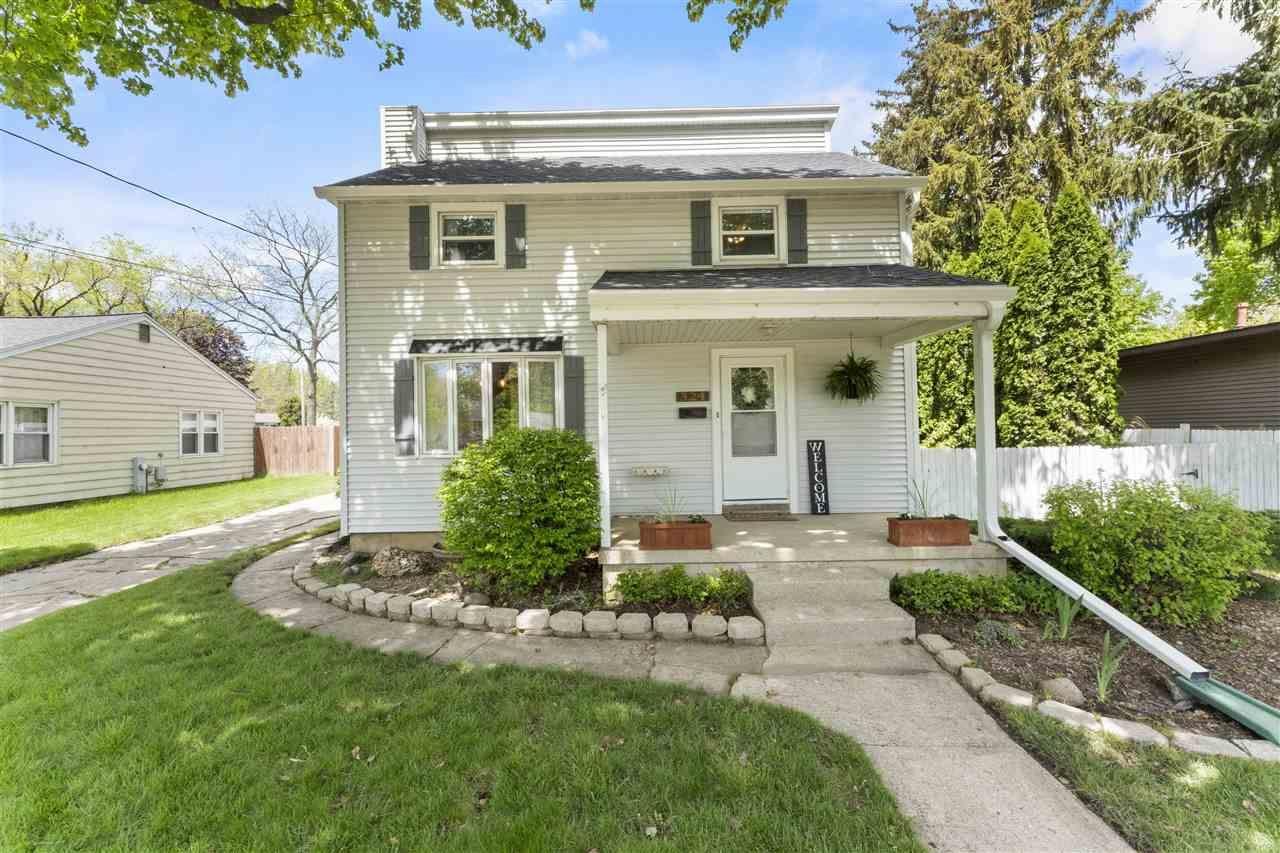 324 Windsor St, Sun Prairie, WI 53590 - #: 1908967
