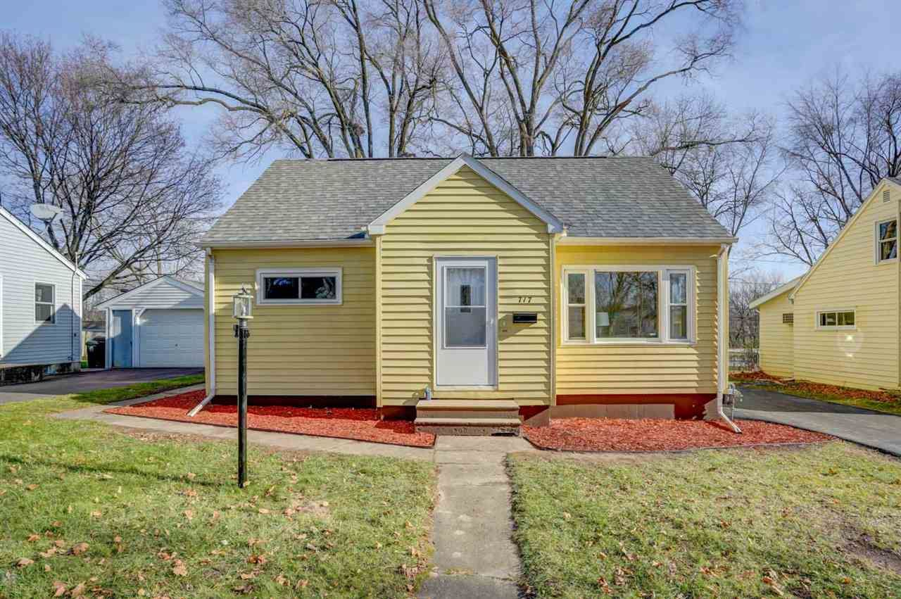 717 Bergen St, Madison, WI 53714 - #: 1897971