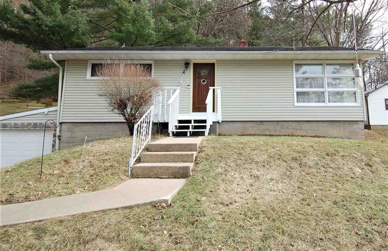725 Valley View Drive, Richland Center, WI 53581 - #: 1905971