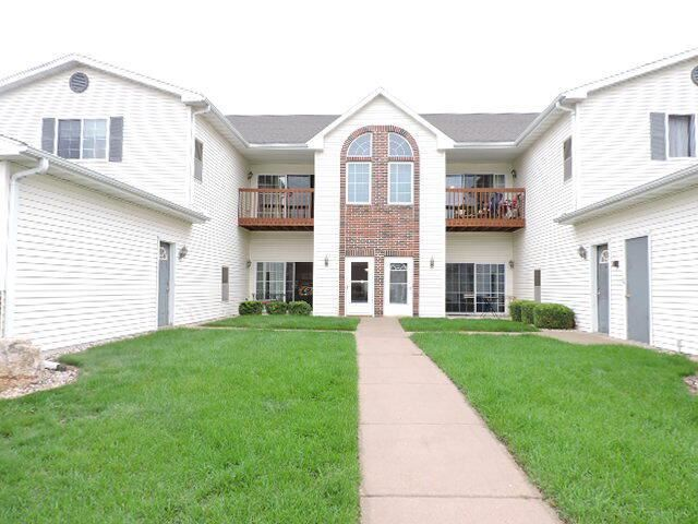 1604 Commonwealth Dr #2, Fort Atkinson, WI 53538 - #: 377973