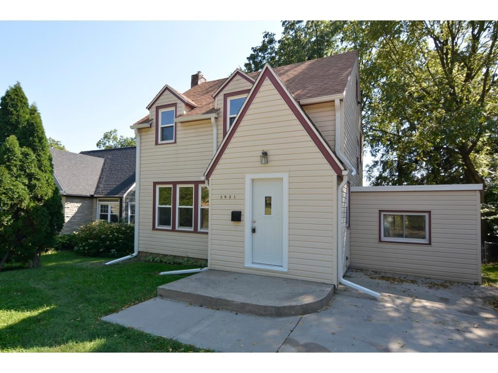3921 Mineral Point Rd, Madison, WI 53705 - #: 1919975