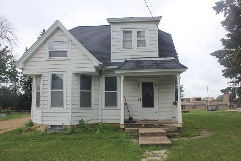 310 S Hickory St, Platteville, WI 53818 - #: 1913981