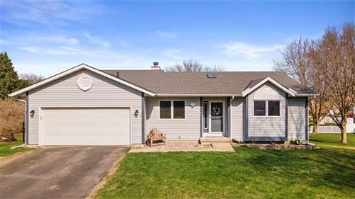 Photo of 808 Lincoln Green Rd, DeForest, WI 53532 (MLS # 1905983)