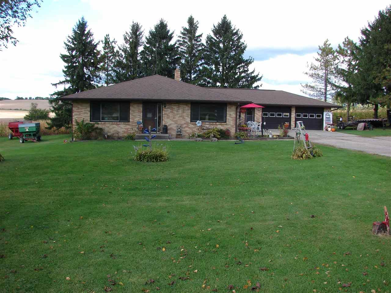 4220 County Road B, Dodgeville, WI 53533-9141 - #: 1894983