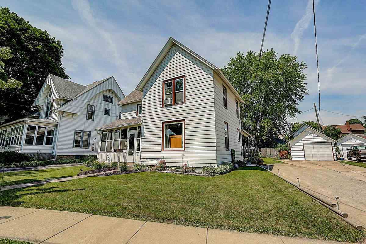 415 N Main St, Fort Atkinson, WI 53538 - #: 1887986