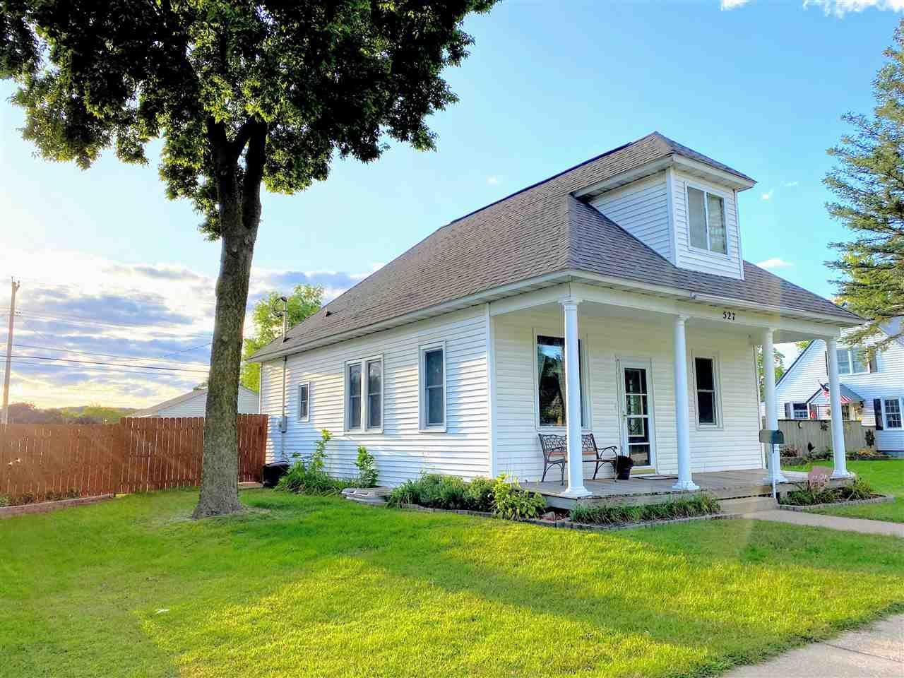 527 N Michigan St, Prairie du Chien, WI 53821 - #: 1893988