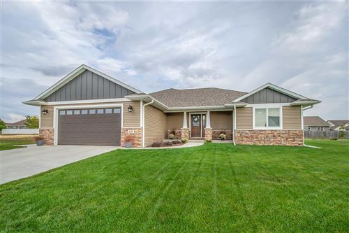 Photo of 2021 Goldfinch Ln, Sauk City, WI 53583 (MLS # 1894989)