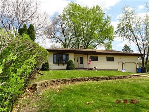 Photo of 2215 Yellowstone Ave, Portage, WI 53901 (MLS # 1907990)