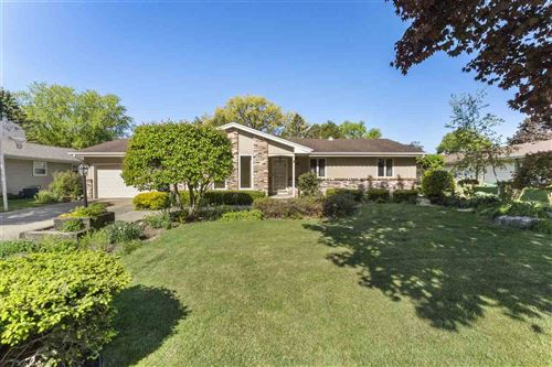 Photo of 1609 St George Ln, Janesville, WI 53545 (MLS # 1908990)