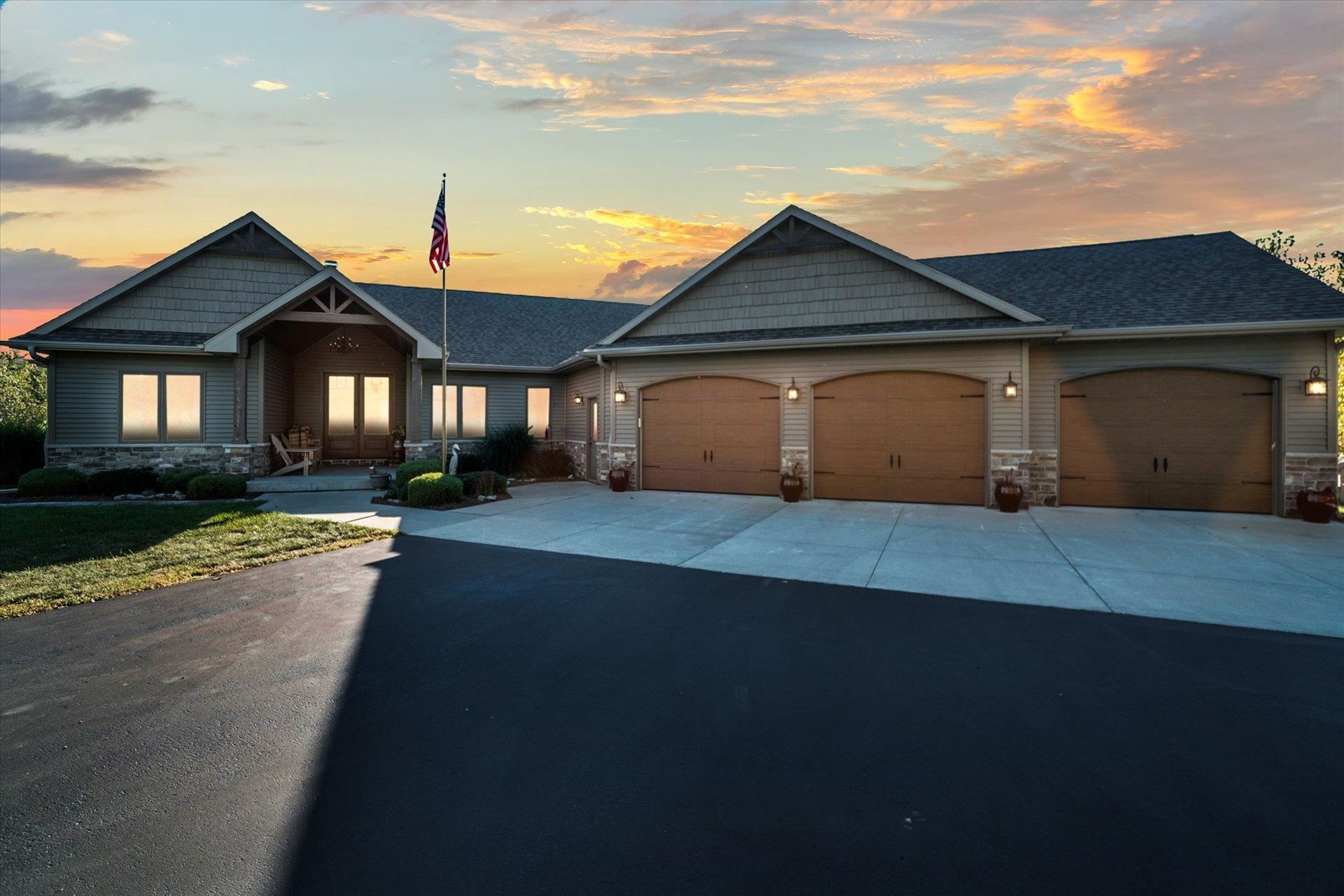 2403 N Tay Ct, Janesville, WI 53548 - #: 1919991