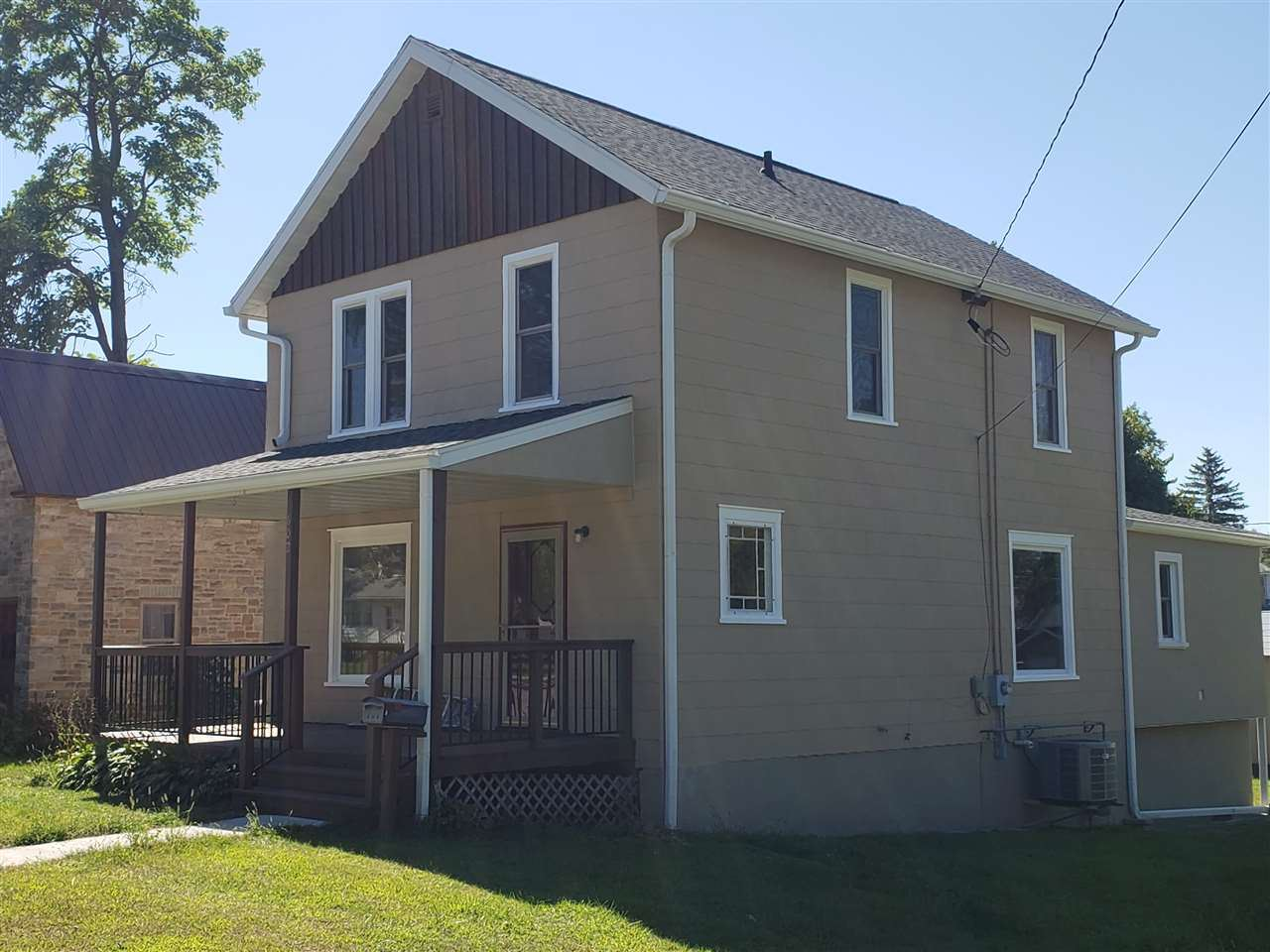 602 W State St, Mauston, WI 53948 - #: 1892995
