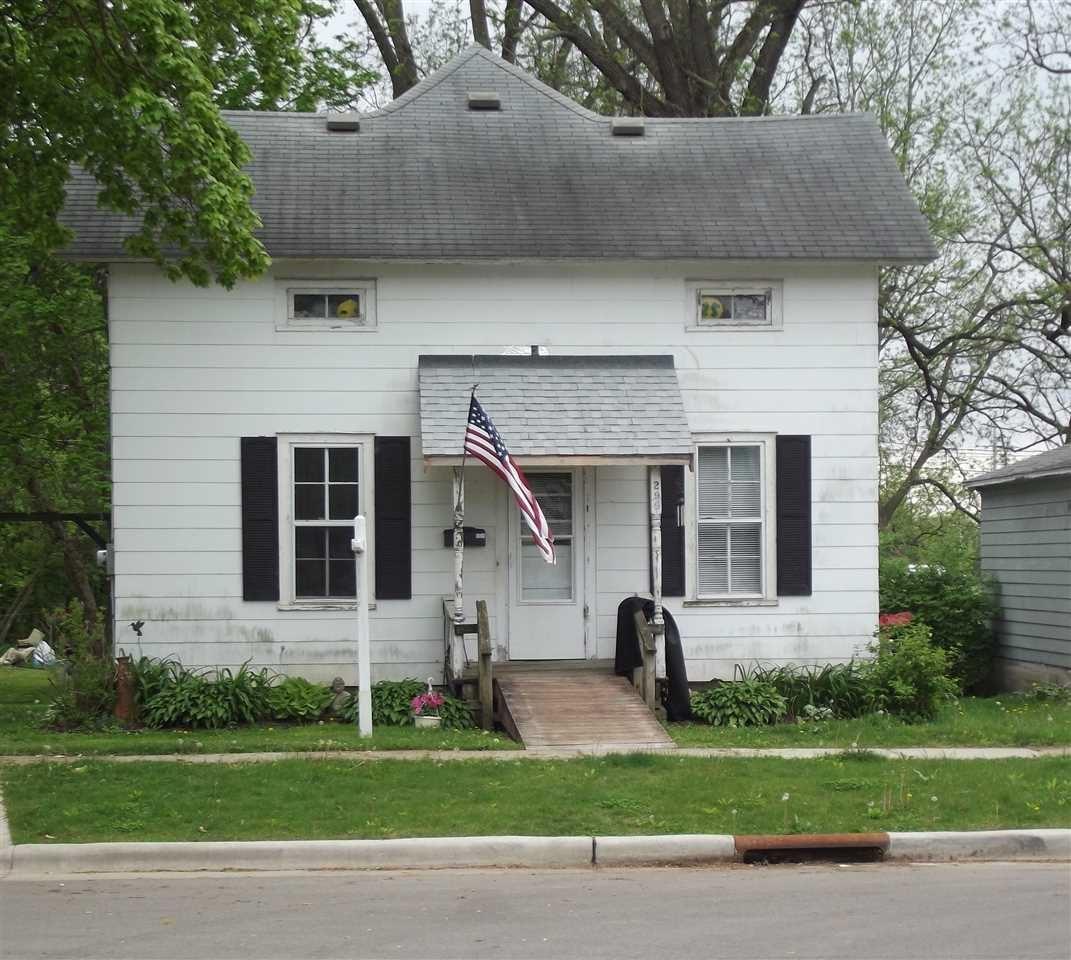 299 Franklin St, Evansville, WI 53536 - #: 1882997